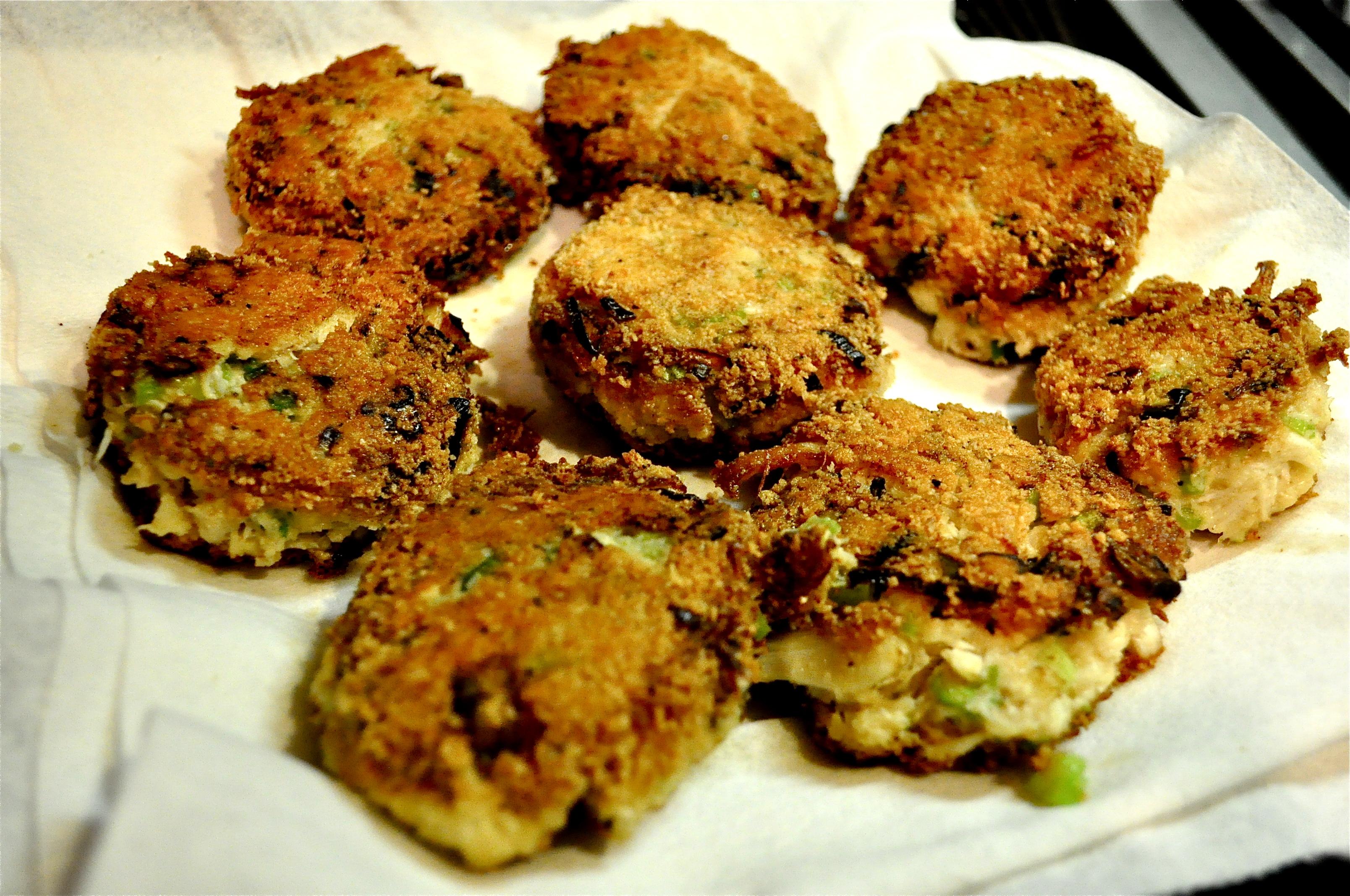 Fed & FitPaleo Crab Cakes with Lemon Garlic Aioli - Fed & Fit