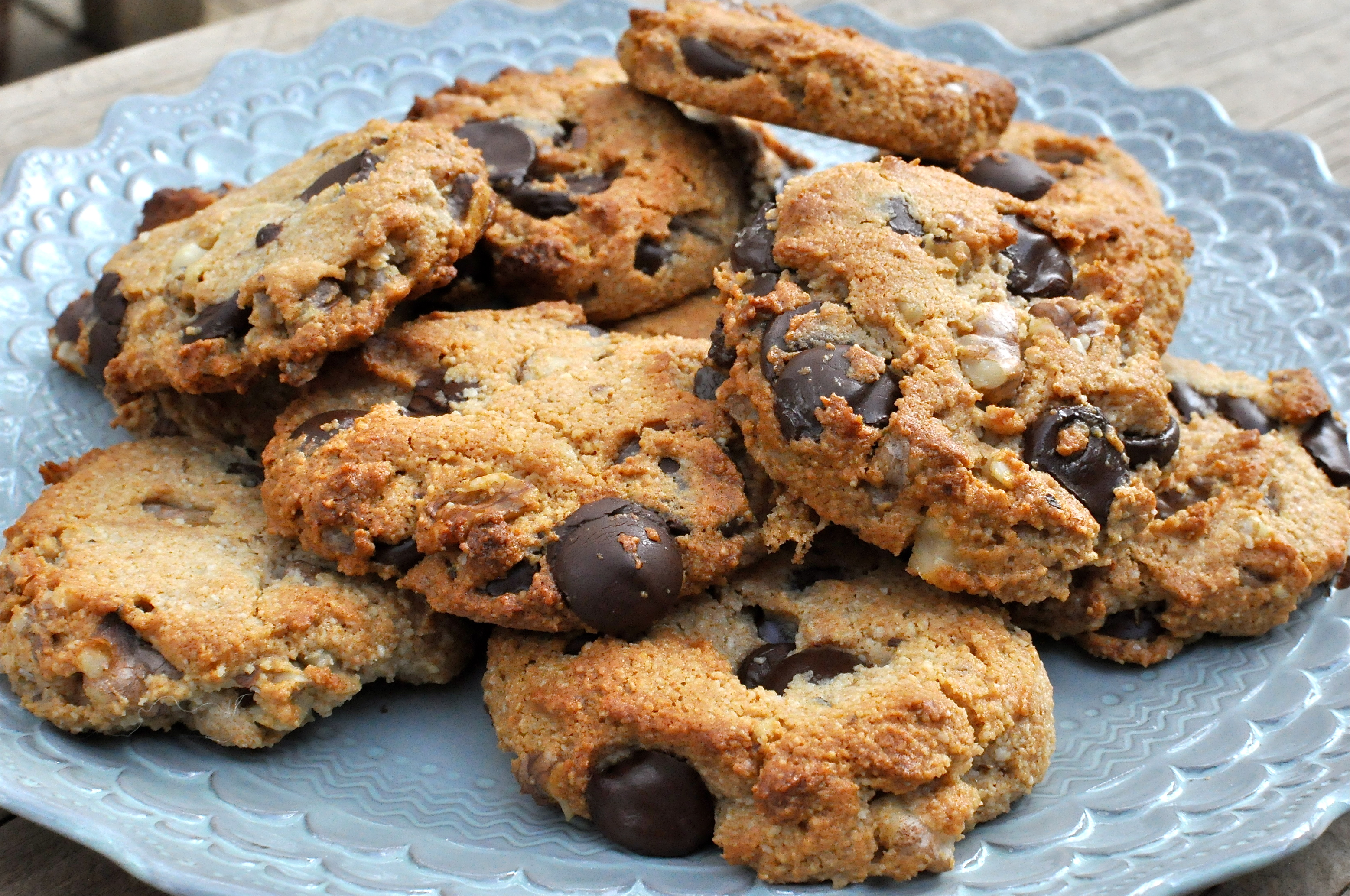 Fed & Fit » Paleo Dark Chocolate Chip Walnut Cookies